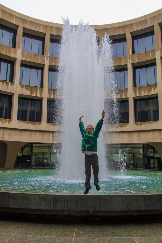 Hirshhorn fountain